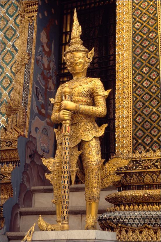 Statue at the Grand Palace, Bangkok, Thailand - Tim Oliver ...